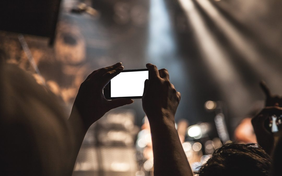 How Do Organizations Leverage Facebook Live?